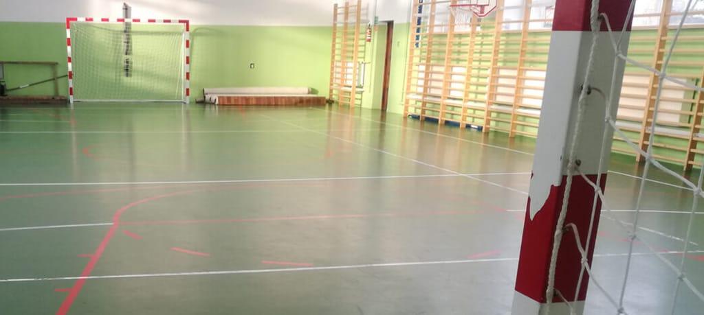 akrylowanie hali sportowej