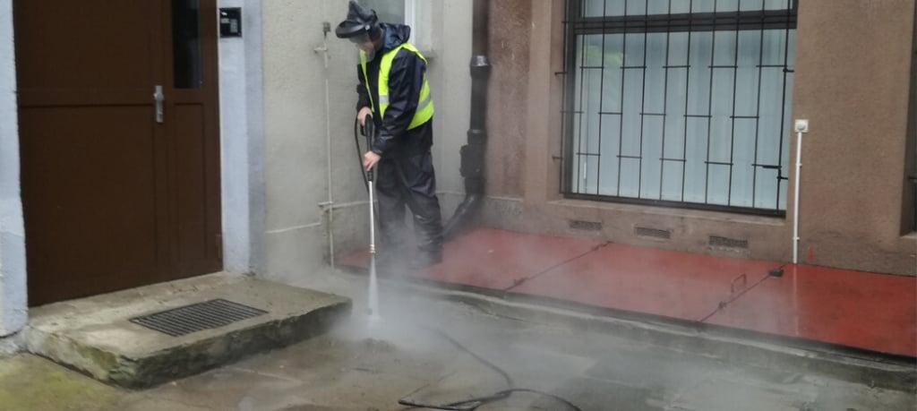 czyszczenie kostki brukowej