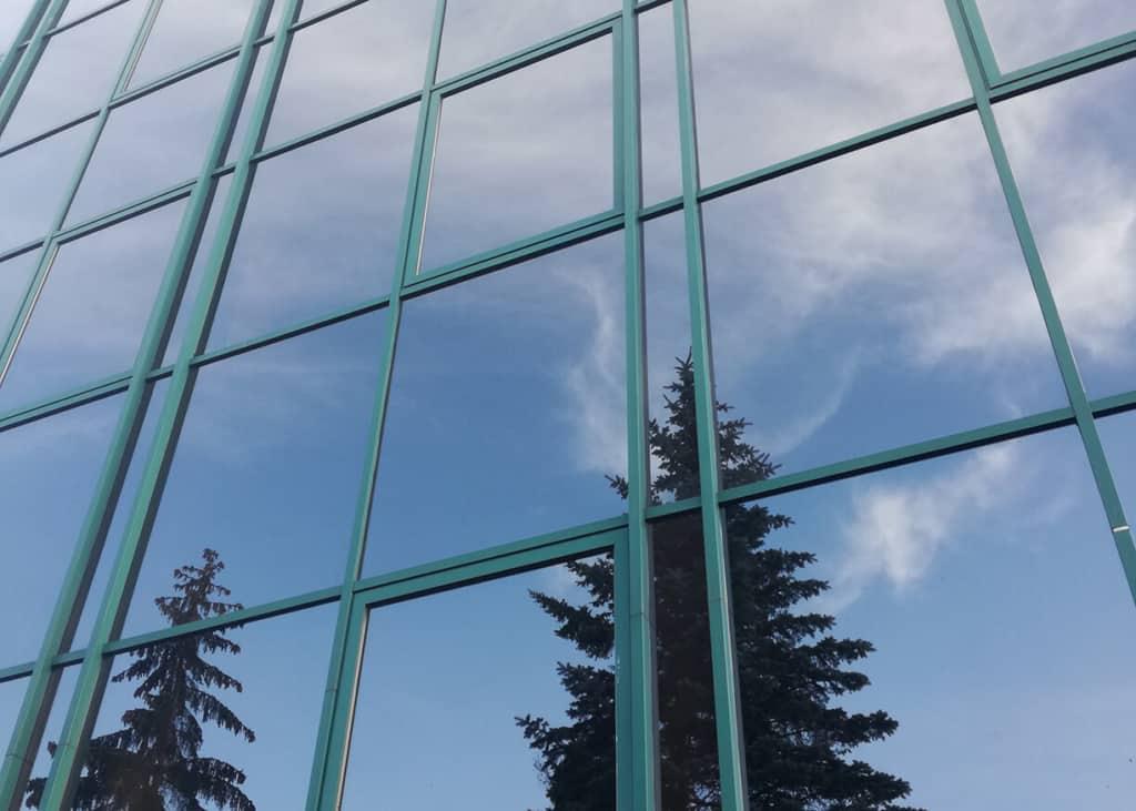 mycie okien biurowca
