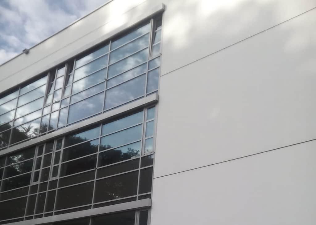 mycie okien i elewacji segmentowej1