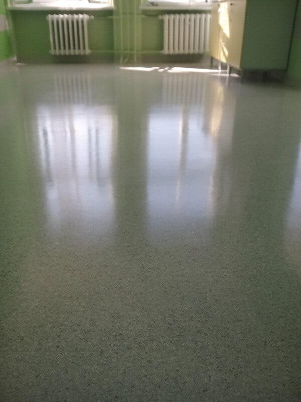 polimeryzacja podłogi w świetlicy