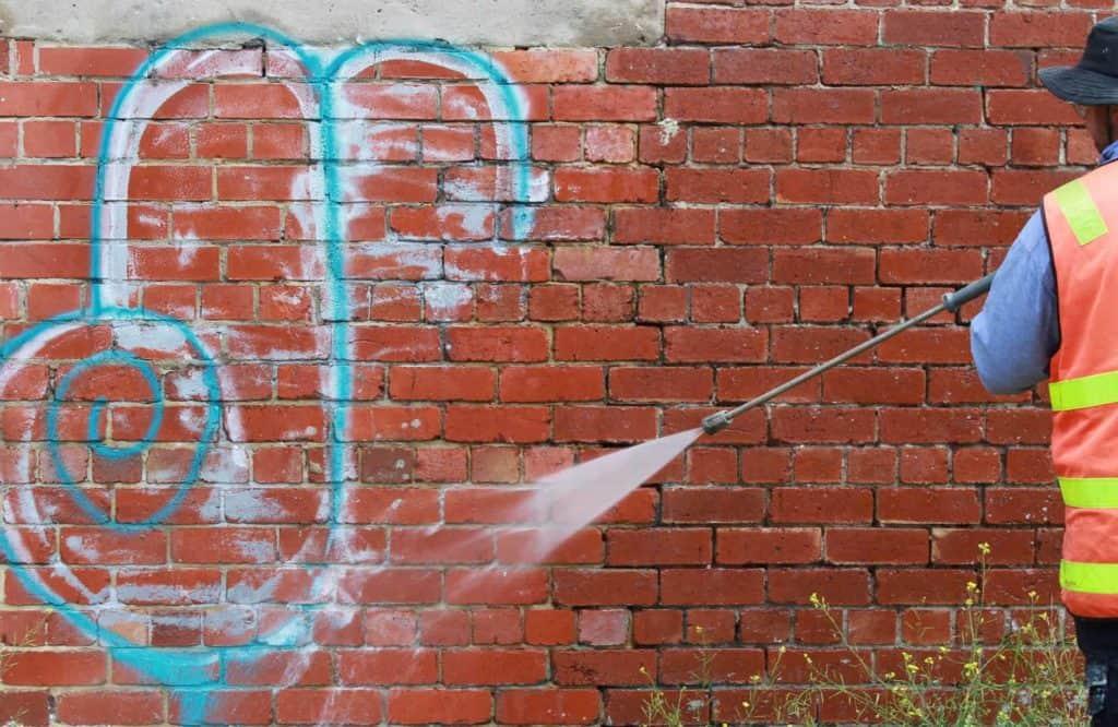 Warszawa usuwanie graffiti